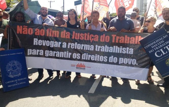 Vigilantes de Barueri participam de ato contra o fim da Justiça do Trabalho